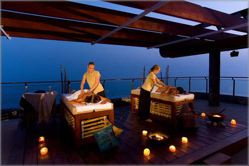 Open air massage in Gloria Palace Amadores in Gran Canaria