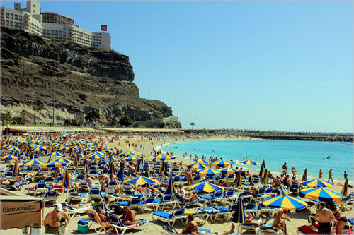 Puerto Rico This Beach Is Similar To Amadores But A Bit Ger Few Waves And Calm The Most Por Of All Gran Canaria Beaches Among British Tourists
