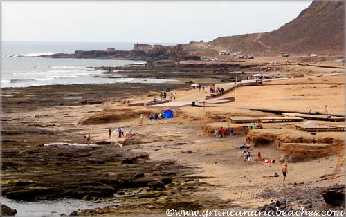 El confital beach a city beach for families and surfers - El baul gran canaria ...